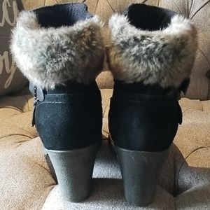 Suede leather bootie with fuax fur trim